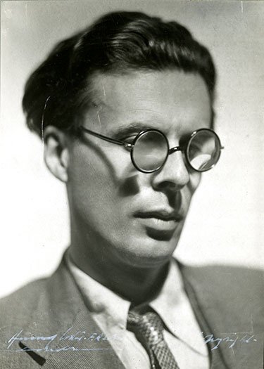 1934 image of Aldous Huxley by Howard Coster