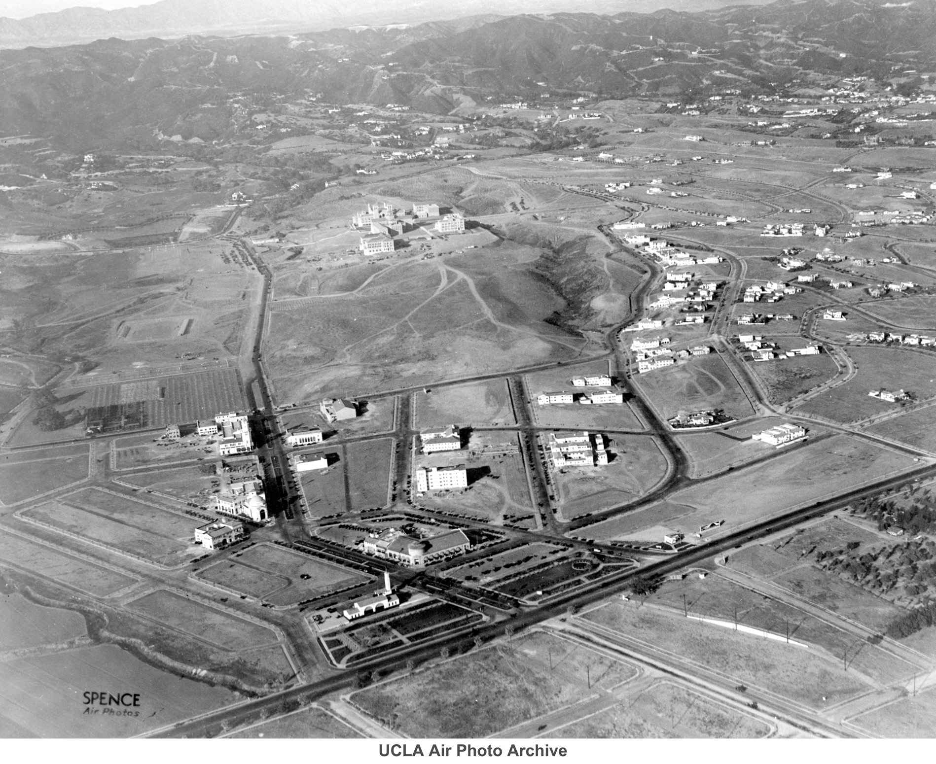 1929 Spence aerial photo of Westwood and UCLA