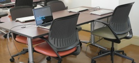 Movable tables and chairs, to fit your teaching style.