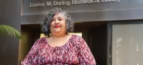 Lorenza Herrera in front of the Biomedical Library